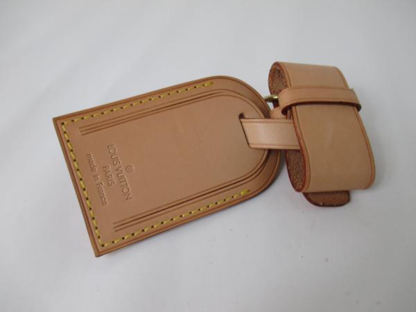 41edfcba3f8 ShopandBox - Buy Louis Vuitton luggage tag with Merlion heat stamp ...